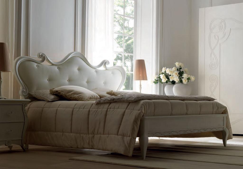 pat dormitor clasic tapitat lemn Eros Meteora Italia pret